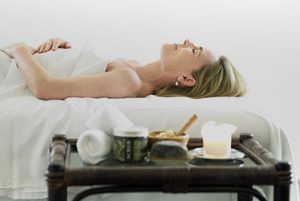 Lomi Lomi massage   Solar Plexus